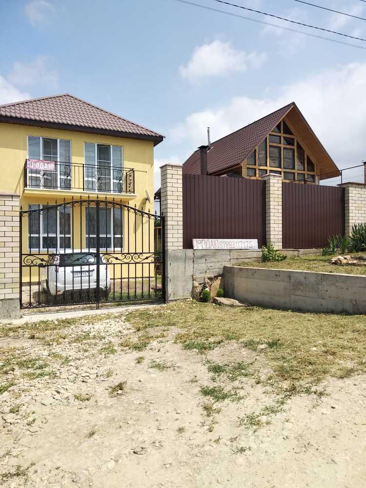 Дом 100 кв.м на участке 3 сот