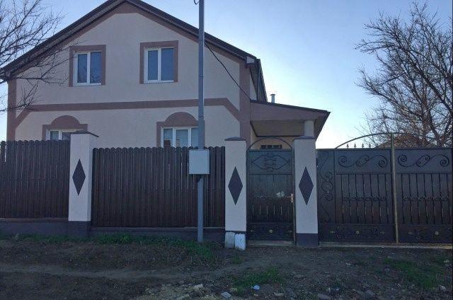 Дом 178 кв.м на участке 4 сот