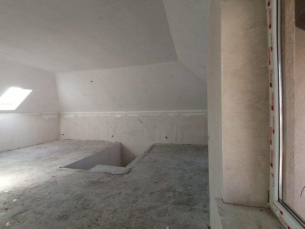 Дом 240 кв.м на участке 3 сот
